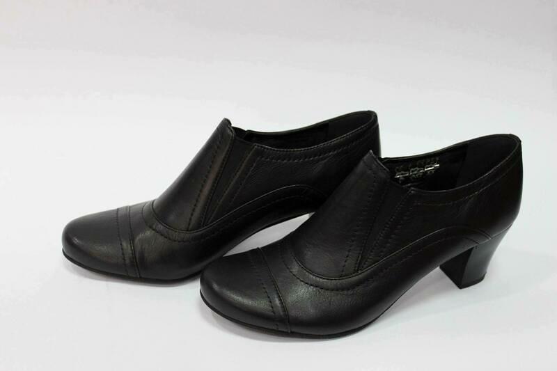 Crne ženske kožne cipele model 14532