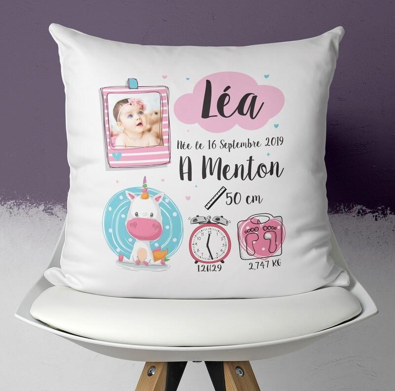 Coussin naissance personnalisable pour petite fille avec ou sans photo thème licorne