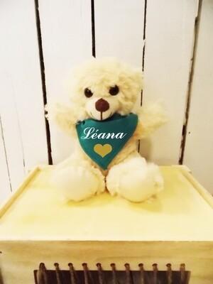 Petit ours en peluche personnalisé avec  bandana.