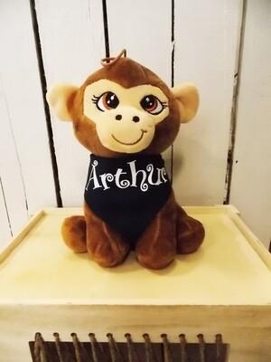 Petit singe en peluche personnalisé avec  bandana.