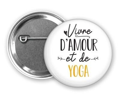 Badge épingle vivre d'amour et de mot personnalisable