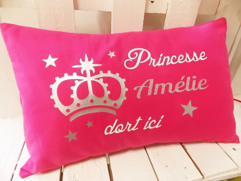 """Coussin fille """"Princesse dort ici"""" personnalisable"""