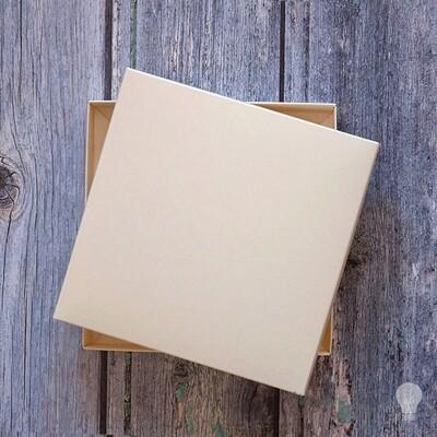 Caja Semi Rigida  16 x 16 x 1.5 cms 190g a 270g