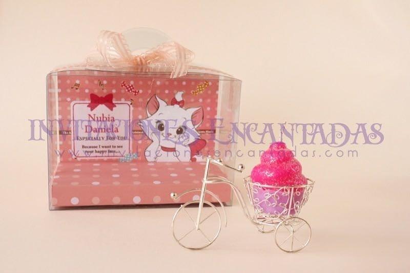Invitación XV Caja Acetato Vela Triciclo muffin
