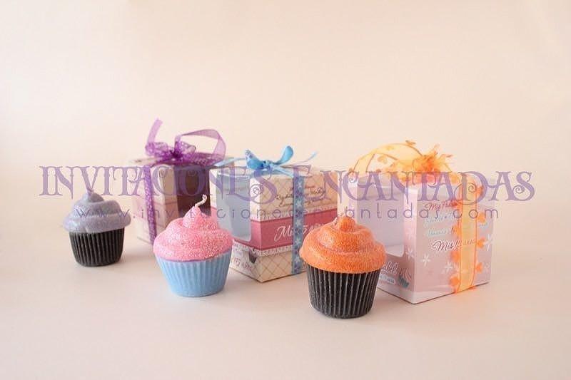 Invitación de XV Caja con Muffin vela