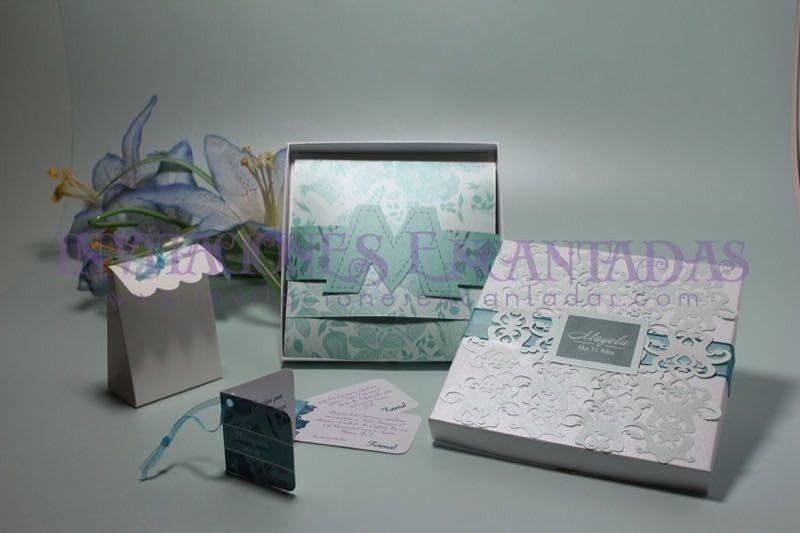 Invitación de XV Semirigida Caja calada