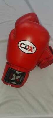 Боксерские перчатки из натуральной кожи AIBA RED