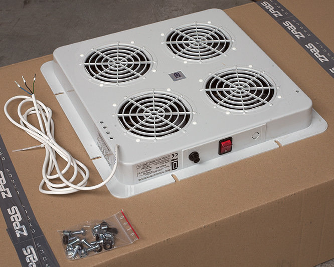 Dachlüfter mit 4 Lüfter ohne Thermostat (380 x 380 mm)