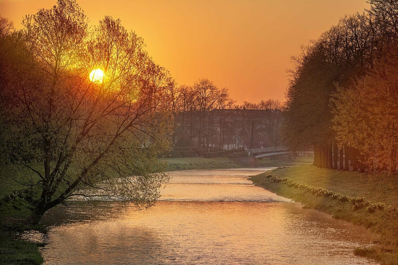 Ahr in Bad Neuenahr am Morgen - Leinwand