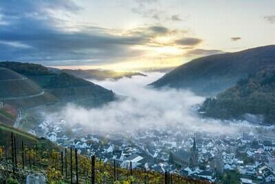 Nebel über Dernau