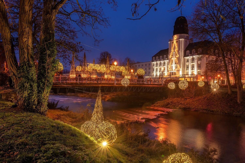 Leuchtende Uferlichter in Bad Neuenahr