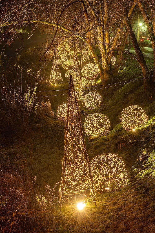 Uferlichter an der Ahr in Bad Neuenahr (Hochformat)