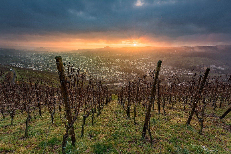Wolkiger Sonnenaufgang über Ahrweiler - Leinwand