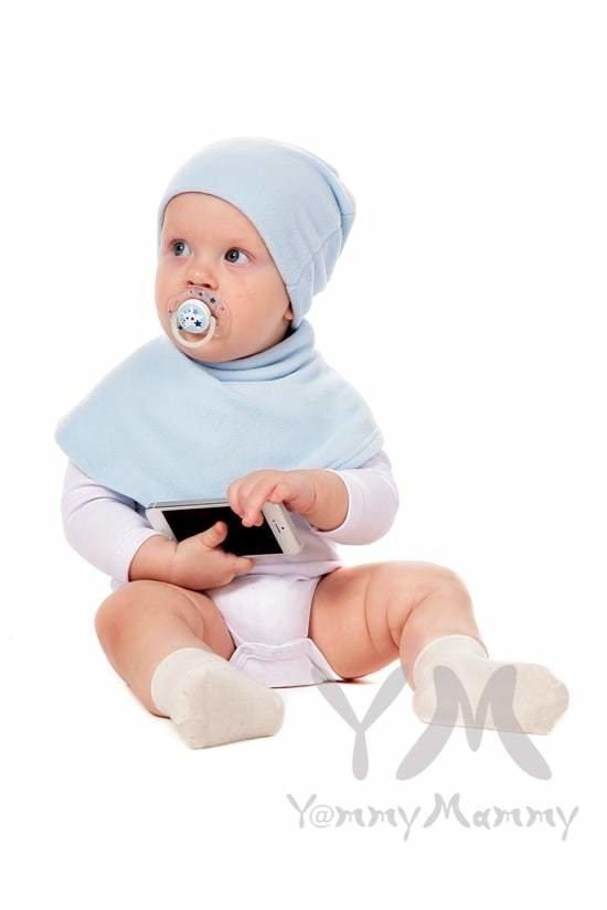 Yammy Mammy. Манишка детская флисовая на липучке светло-голубая