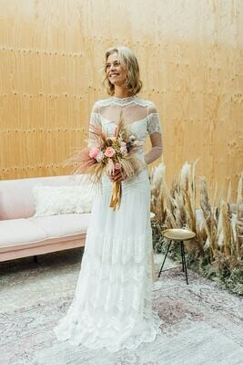 Bruidsboeket van droogbloemen.