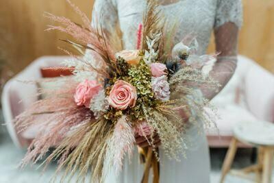 Old pink collectie nummer 11 Je eigen bijpassende bruidsboeket (huur)