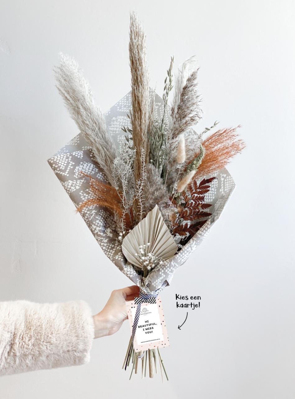 Droogbloemen boeket Roest met unieke kaart naar keuze