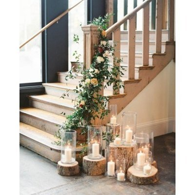 Complete set decoratie en bloemen (guirlande kan hergebruikt worden op dinertafel)