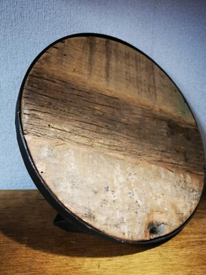 Houten tray met ijzer L