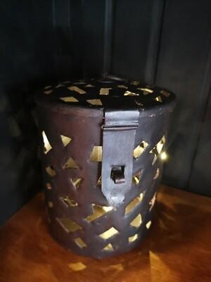 Metalen pot met deksel