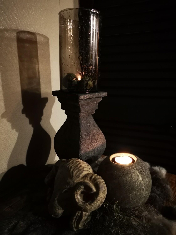 Stenen theelichthouder grijs