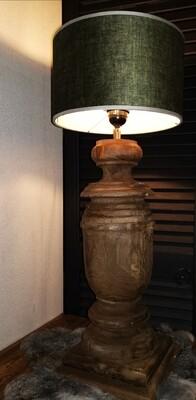 Houten baluster lamp incl groene velvet cilinder kap