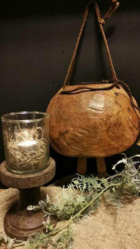 Houten windlicht met steenglas