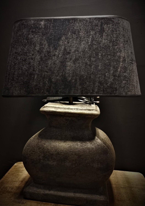 Stenen balusterlamp