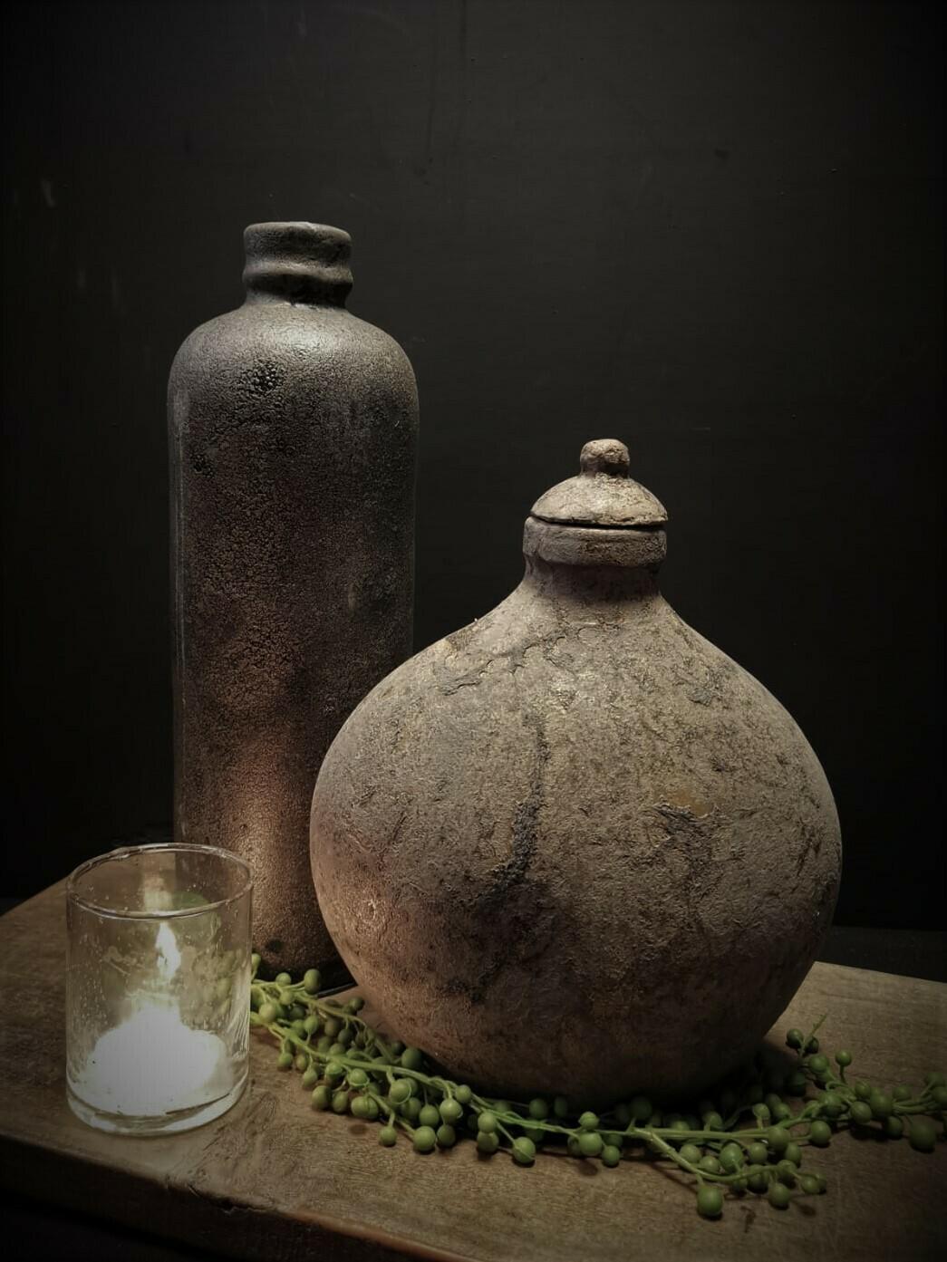 Stenen ornament kruik