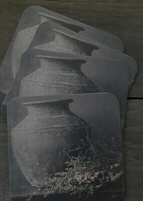 Set van 12 onderzetters  Antieke pot