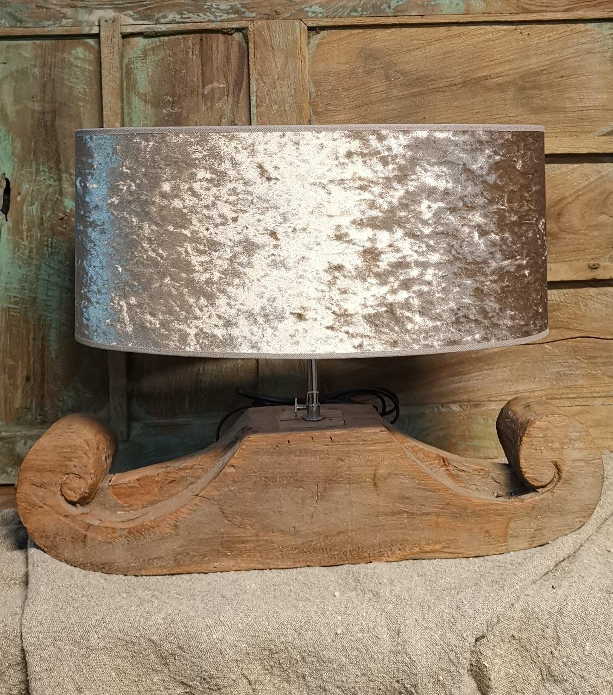 Houten lamp met luxe kap