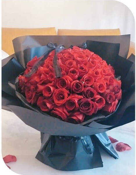 Red rose bouquet #75