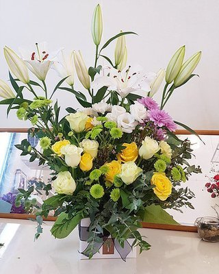 Flower basket #63