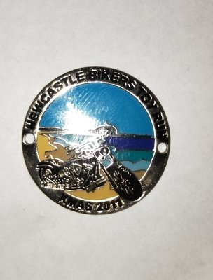 2011 Metal badge (safety pin)