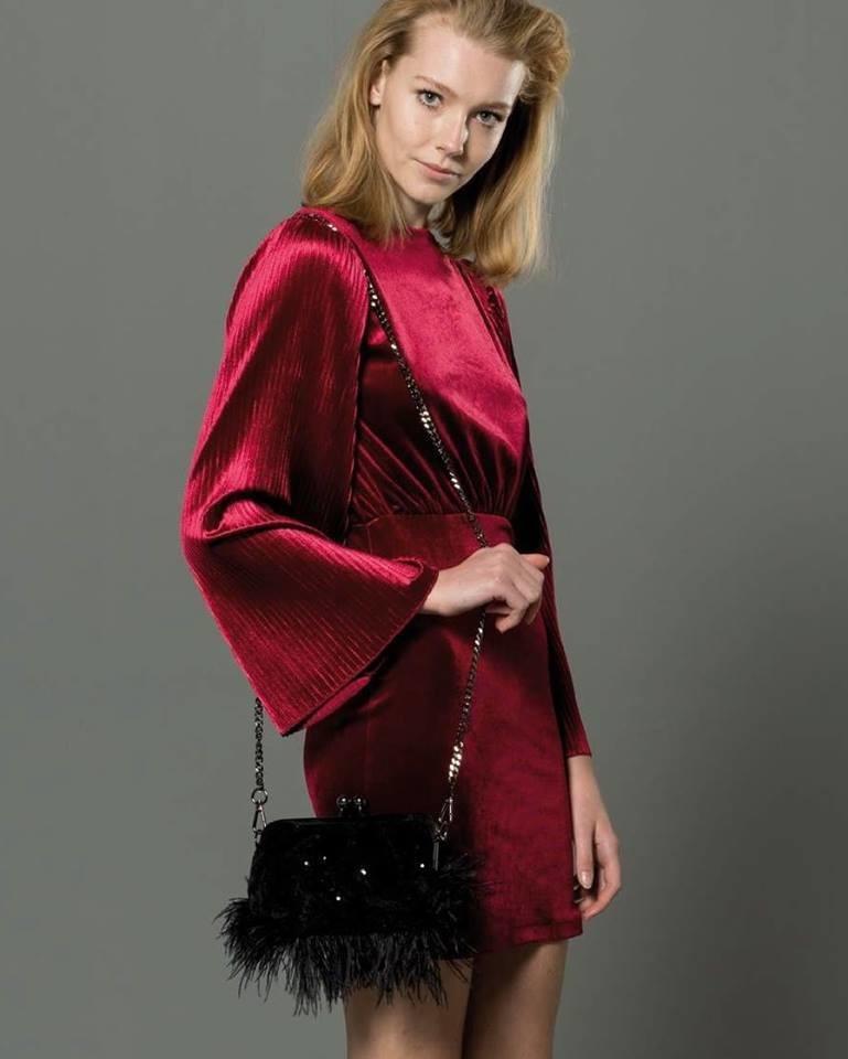 Vestito in ciniglia  Fracomina in rosso rubino e nero.