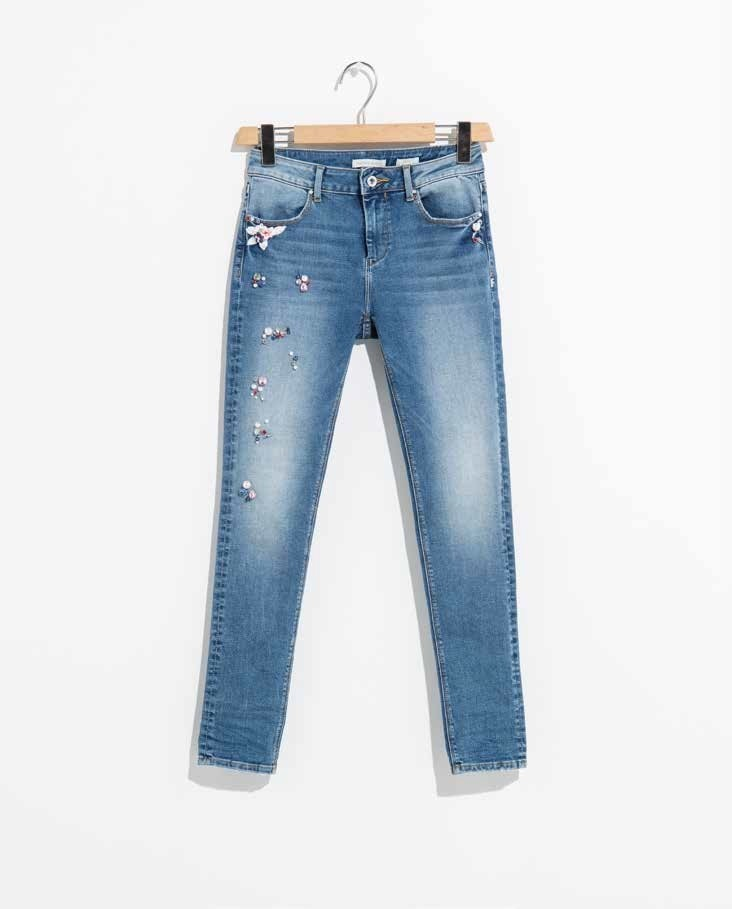 Jeans Fracomina skinny a vita alta.