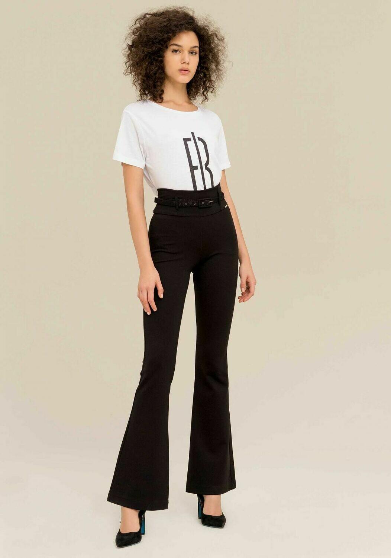 Pantaloni bootcut con cintura