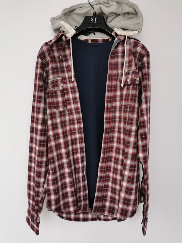 Checkered shirt with hood