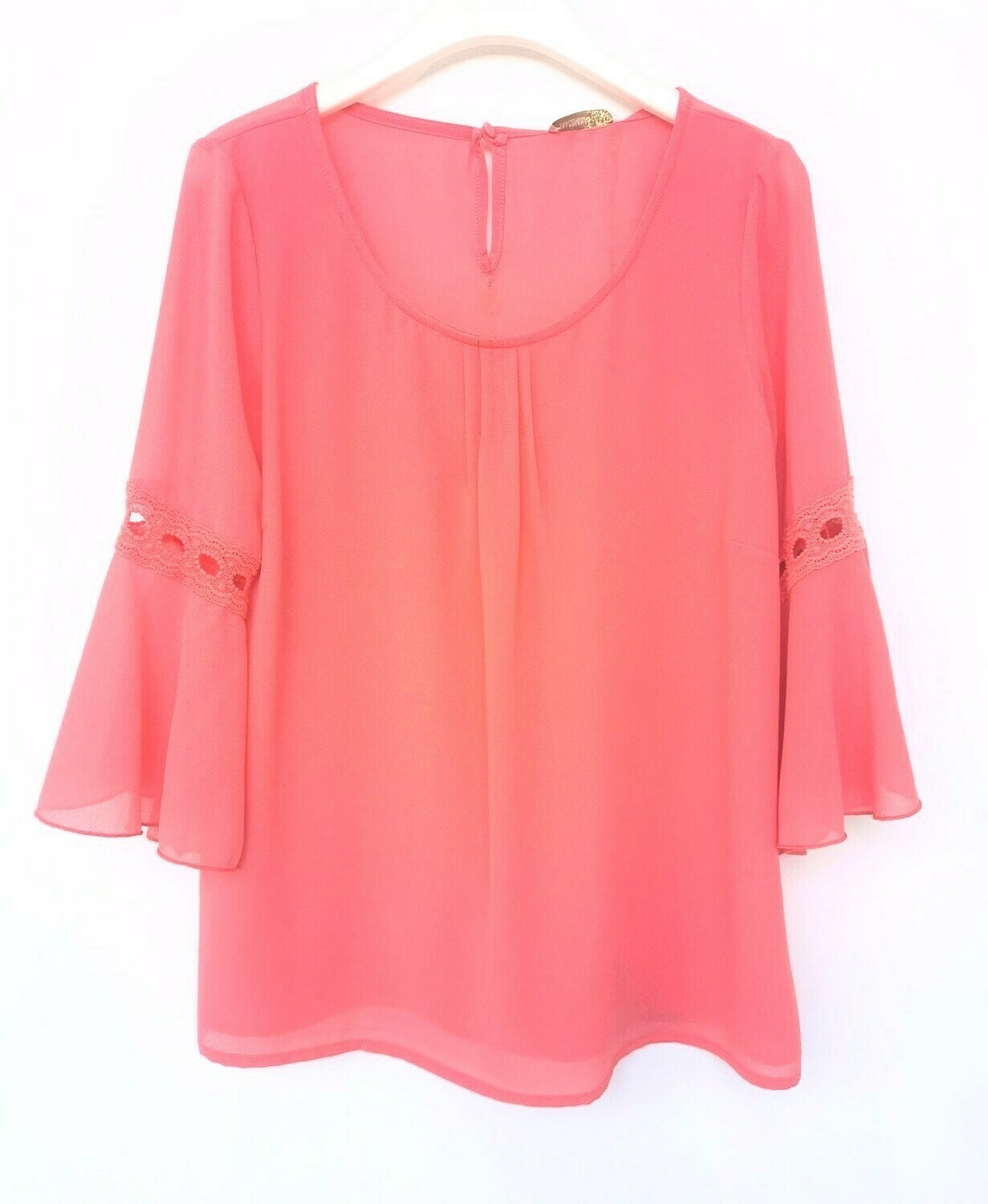 Crepe blouse with 3/4 sleeve