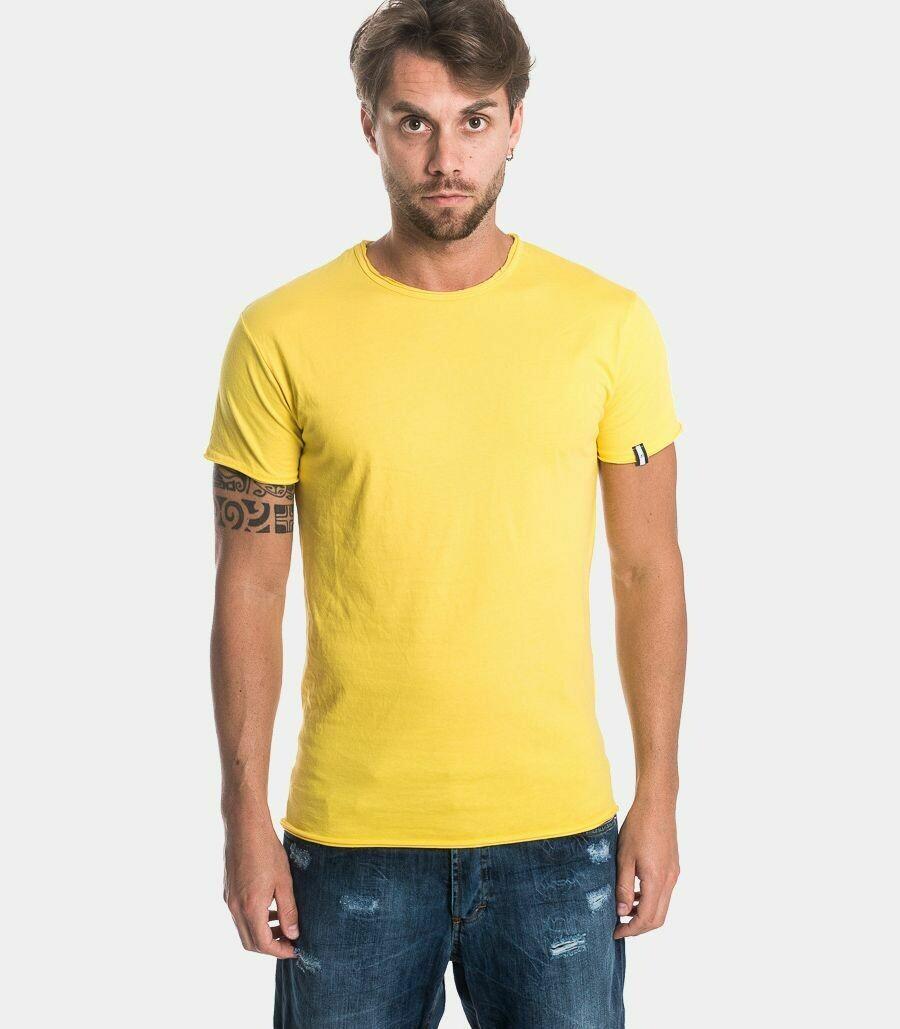 T-shirt basica con taglio vivo