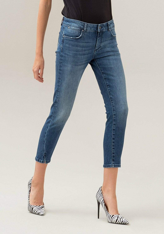 Jeans skinny stretch con lavaggio medio JBETTY16