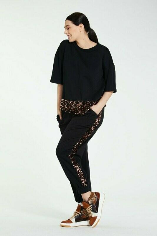 Fleece pants with sequins