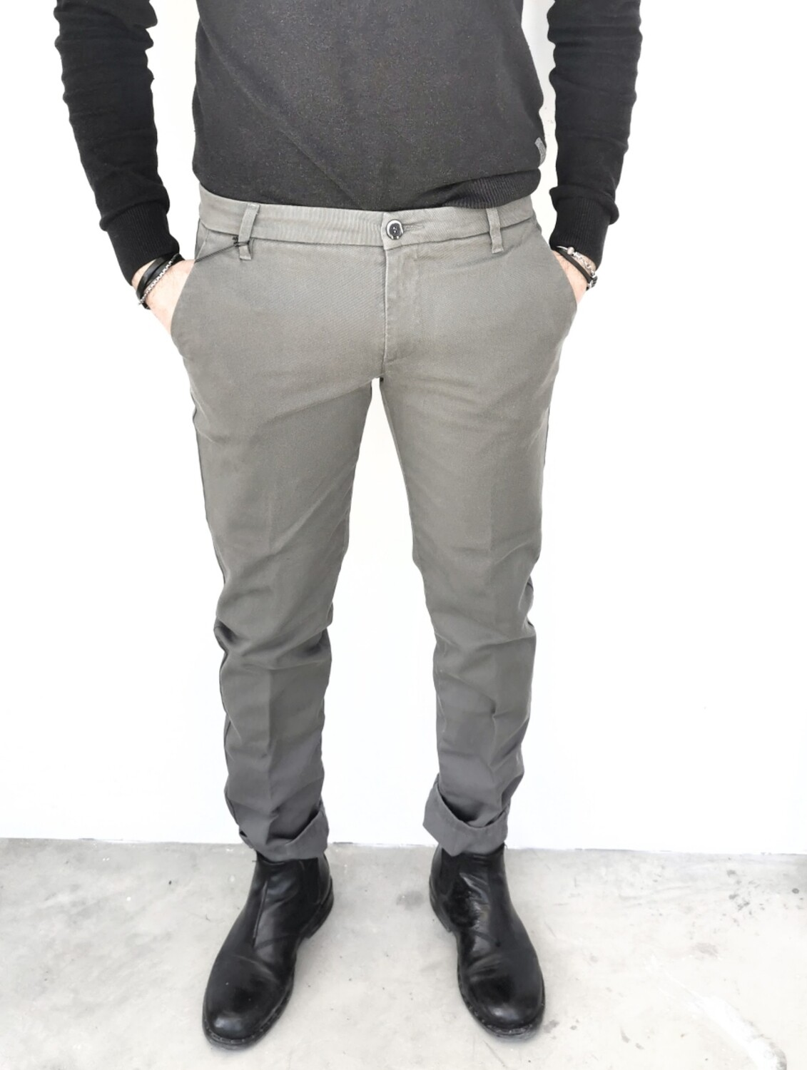 Pantalone chino  super slim fit in gabardina