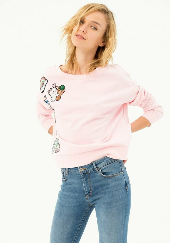 Long sleeve sweatshirt with patch
