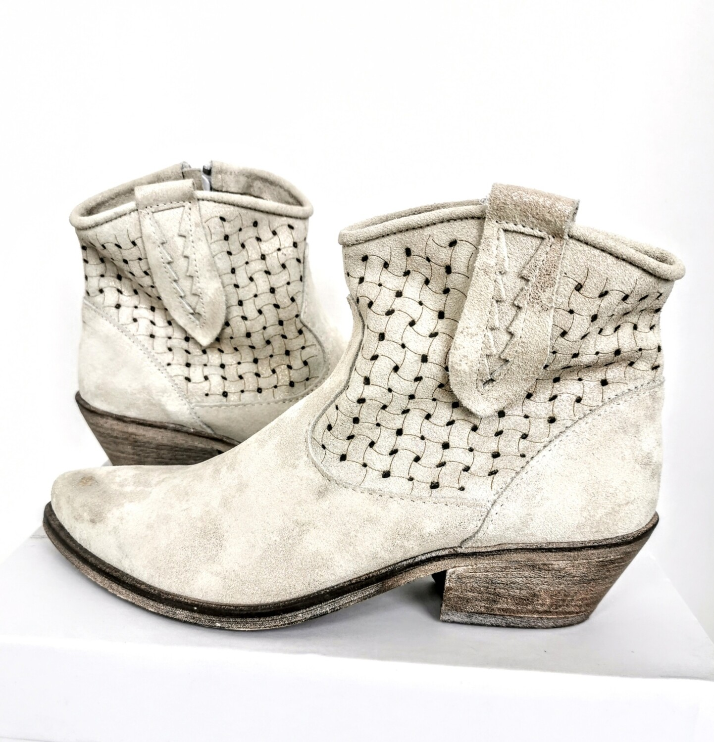 Low Texan boots