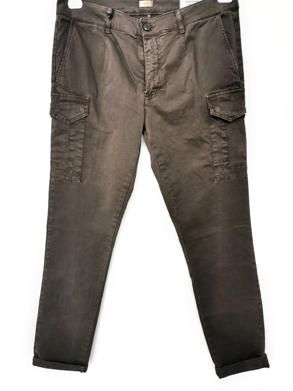 Slim fit pant with side pocket