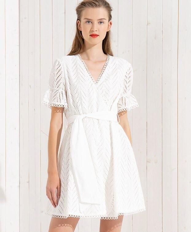 Short dress in san gallo lace
