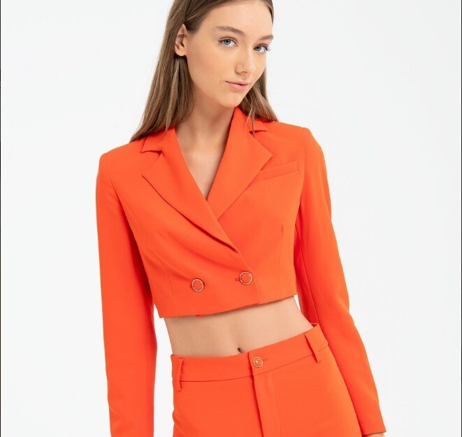 Double-breasted short jacket