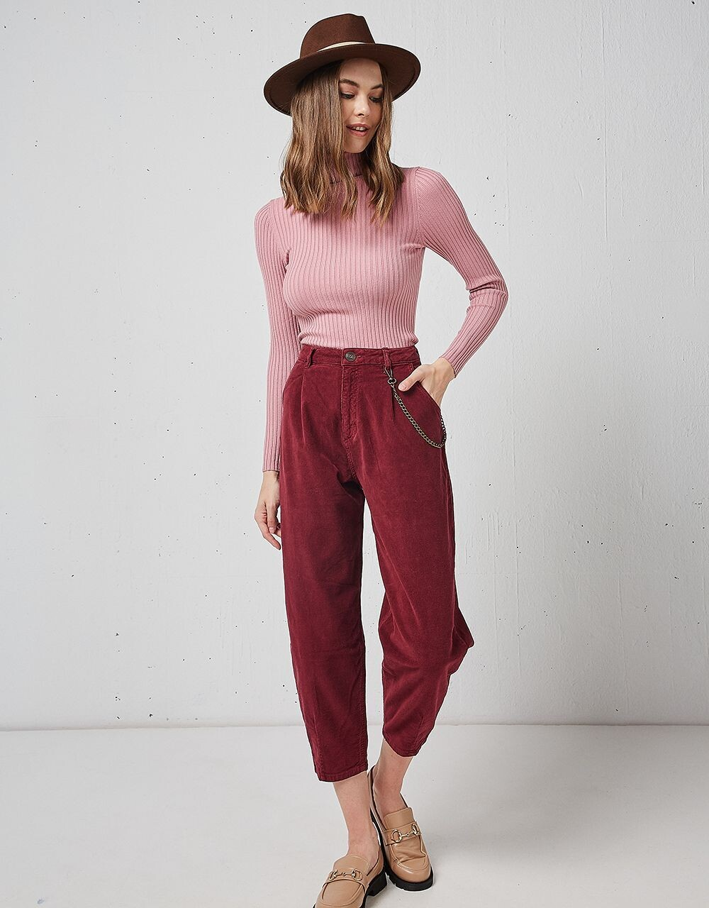 Pantalone cropped in velluto