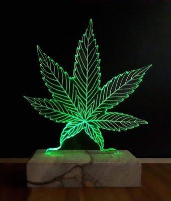 מנורת לד עלה ירוק
